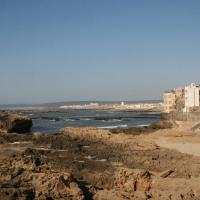 Blick von der Stadtmauer aufs Meer